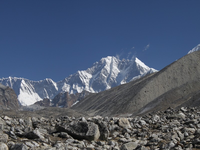 Everest Mera and Amphu Lapcha Pass Trek
